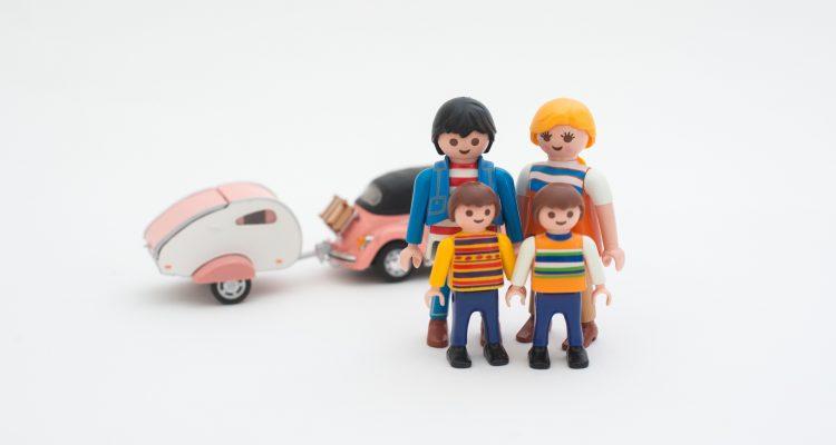 gezin op vakantie met caravan, terug naar tips voor een fijne vakantie met je gezin